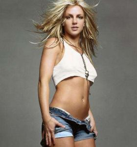 Hot Sexy Celebs Britney Spears in denim shorts