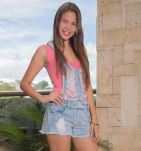 Watch4Beauty Kiara Lorens in denim cut off overall shorts goes nude