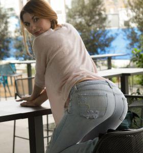 Zishy Lauralynn Parrish in jeans