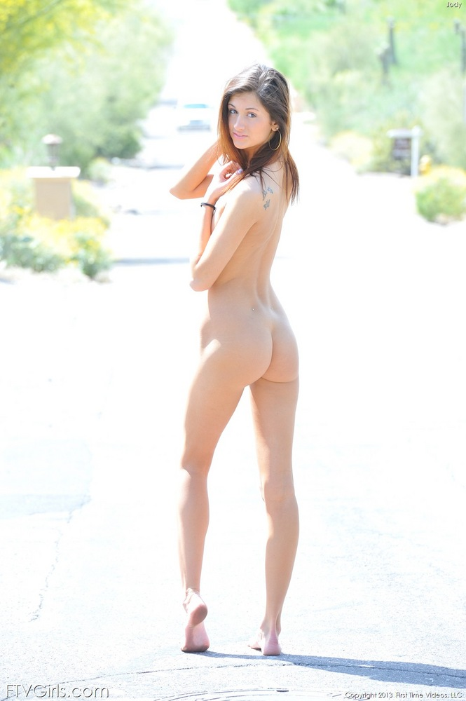 Barefoot beauties naked girls consider